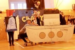 Crazy den_18